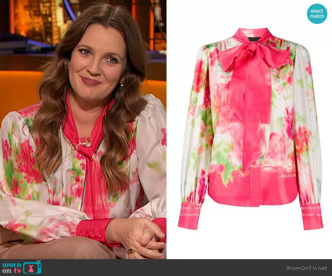 abstract floral print blouse by Marc Jacobs worn by Drew Barrymore  on The Drew Barrymore Show
