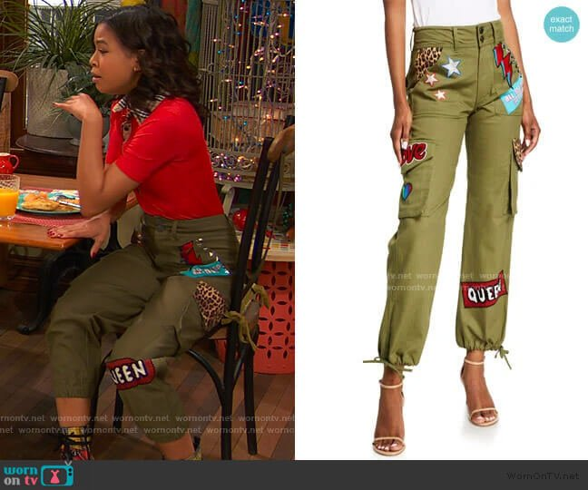 High-Waisted Cargo Pants w/ Patches by Alice + Olivia worn by Nia Baxter (Navia Robinson) on Ravens Home