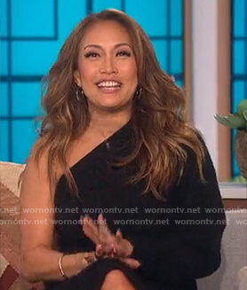 Carrie's black off shoulder dress on The Talk
