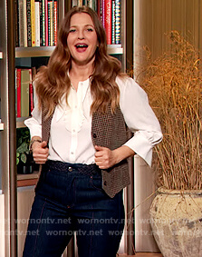 Drew's checked vest and jeans on The Drew Barrymore Show