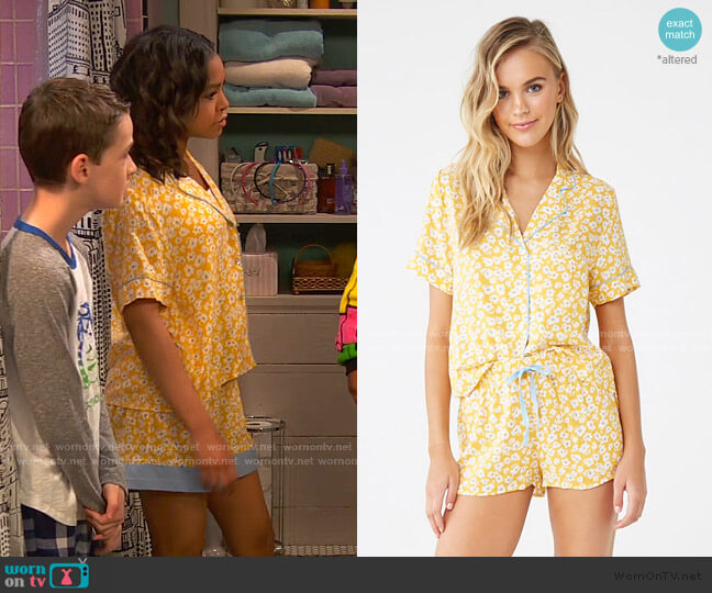 Floral Print Pajama Set by Forever 21 worn by Nia Baxter (Navia Robinson) on Ravens Home
