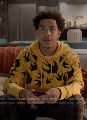 Junior's yellow bird print hoodie on Black-ish