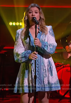 Kelly's white paisley print linen dress on The Kelly Clarkson Show