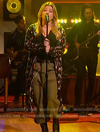 Kelly's leopard print long cardigan on The Kelly Clarkson Show