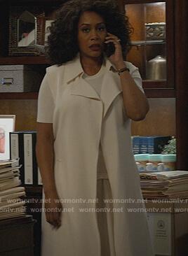 Lola's white sleeveless vest on All Rise