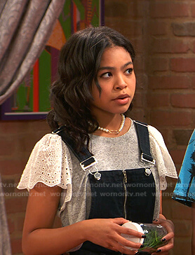 Nia's grey and white eyelet sleeve tee on Ravens Home