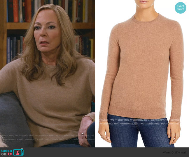 Crewneck Cashmere Sweater by C by Bloomingdales worn by Bonnie Plunkett (Allison Janney) on Mom