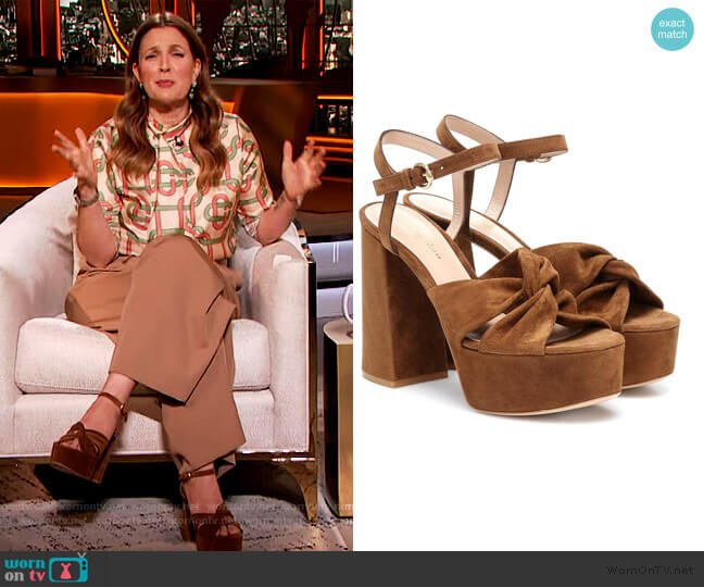 Donna suede platform sandals by Gianvito Rossi worn by Drew Barrymore  on The Drew Barrymore Show