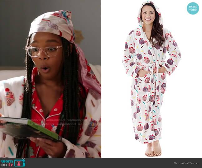 Teen Printed Flannel Fleece Bathrobe by Livingston at Amazon worn by Diane Johnson (Marsai Martin) on Blackish