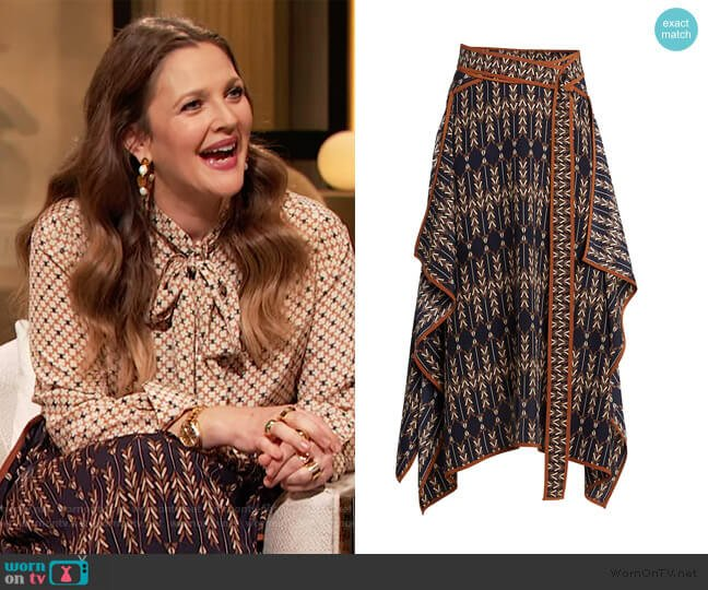 Arrow Print Asymmetric Skirt by Stella McCartney worn by Drew Barrymore  on The Drew Barrymore Show