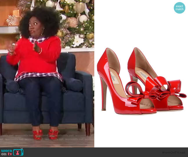 Pumps by Valentino worn by Sheryl Underwood  on The Talk