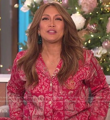 Carrie's red paisley print pajamas on The Talk