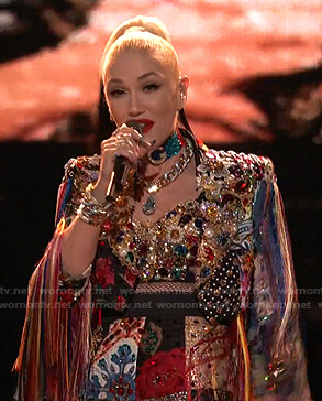Gwen's embellished cropped jacket and shorts on The Voice