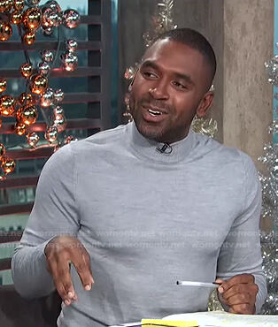 Justin's grey turtleneck sweater on E! News Daily Pop