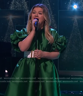 Kelly's green satin ruffle sleeve dress on The Kelly Clarkson Show
