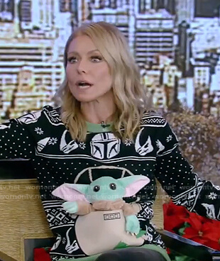 Kelly's Star Wars Yoda Christmas sweater on Live with Kelly and Ryan