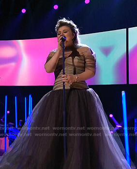 Kelly's bustier tulle gown on The Voice