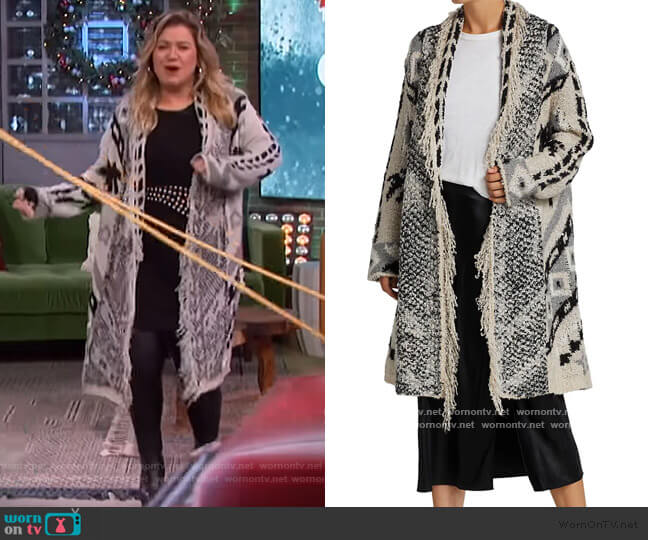 Marilyn Palm Tree Weave Cardigan by Le Superbe worn by Kelly Clarkson  on The Kelly Clarkson Show
