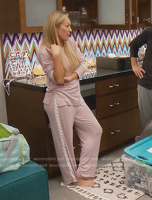 Braunwyn's pink lace trim pajamas on The Real Housewives of Orange County