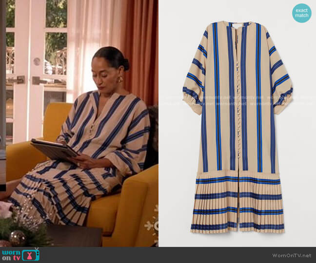 H&M Striped Button-front Kaftan worn by Rainbow Johnson (Tracee Ellis Ross) on Blackish