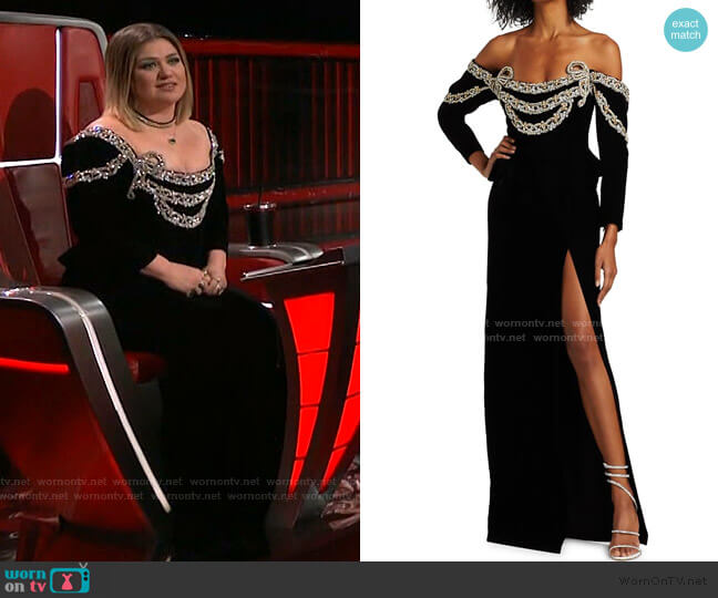 Off-The-Shoulder Jeweled Velvet Gown by Raisa Vanessa worn by Kelly Clarkson  on The Voice