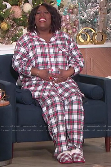 Sheryl's plaid pajamas on The Talk