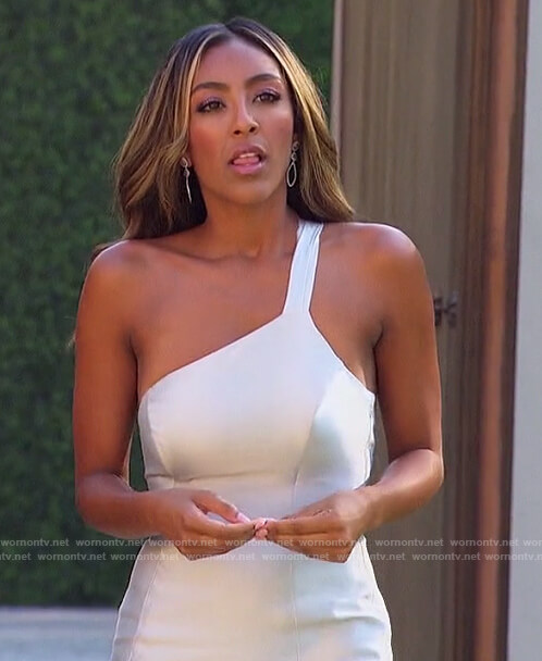 Tayshia's white wedding dress on The Bachelorette