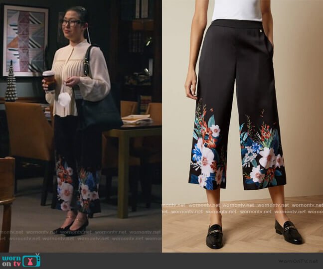 Jamboree printed culottes by Ted Baker worn by Sherri Kansky (Ruthie Ann Miles) on All Rise