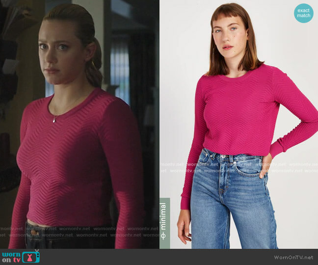 Textured Crewneck Sweater in Fuchsia by Frank and Oak worn by Betty Cooper (Lili Reinhart) on Riverdale