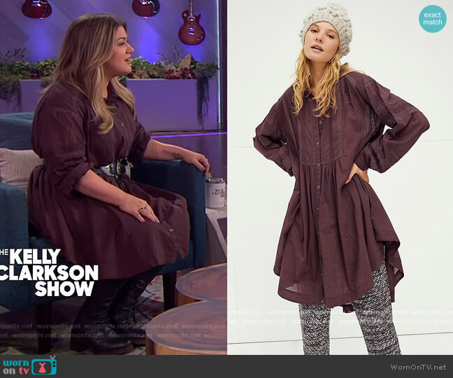 Victorian Buttondown by Free People worn by Kelly Clarkson  on The Kelly Clarkson Show