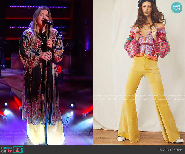 Just Float On Velvet Flare Jeans by Free People worn by Kelly Clarkson  on The Kelly Clarkson Show