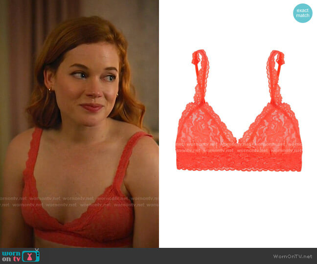 Signature Lace Bralette by Hanky Panky worn by Zoey Clarke (Jane Levy) on Zoeys Extraordinary Playlist