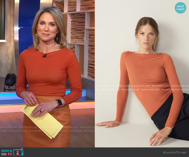 Cashmere Ultralight Jumper by Intimissimi worn by Amy Robach  on Good Morning America