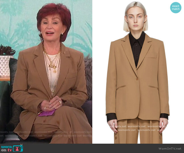 Accorta single-breasted wool jacket and pants by Max Mara worn by Sharon Osbourne  on The Talk
