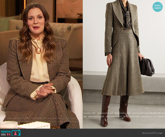 Chain-embellished houndstooth wool blazer and skirt by Michael Kors worn by Drew Barrymore  on The Drew Barrymore Show