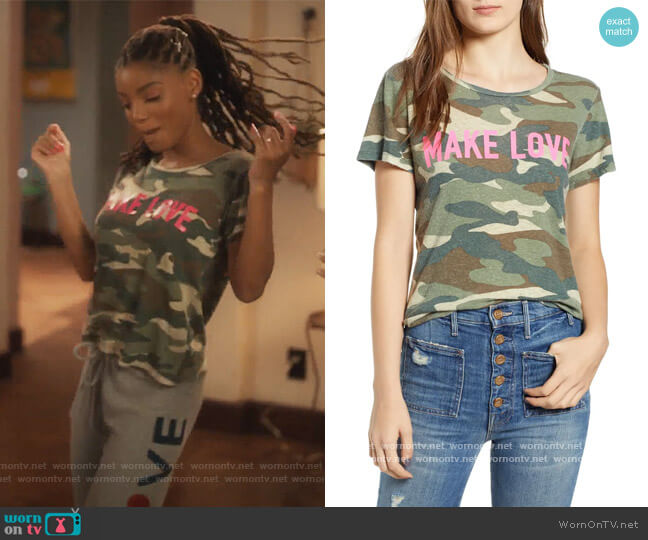 Make Love Camo Linen & Cotton Tee by Mother worn by Skylar Forster (Halle Bailey) on Grown-ish