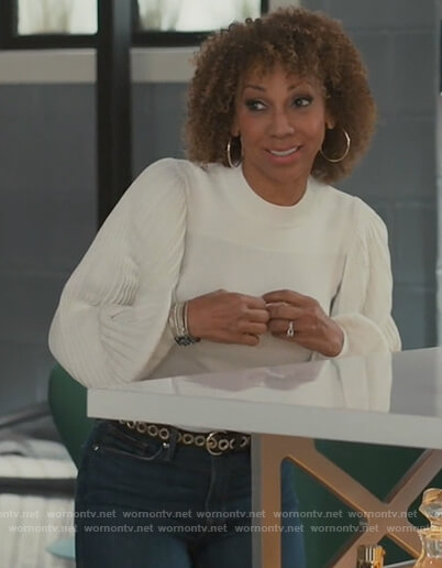 Tami's white pleated sweater on American Housewife