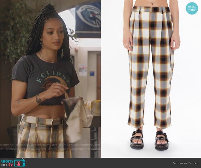 Dalton Pleated Mid-Rise Trouser Pant by Urban Outfitters worn by Olivia Baker (Samantha Logan) on All American