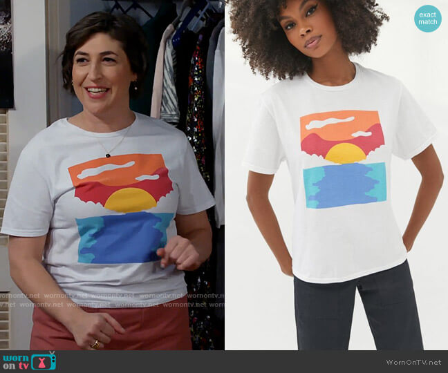 Urban Outfitters BDG Landscape Art T-shirt worn by Kat Silver (Mayim Bialik) on Call Me Kat