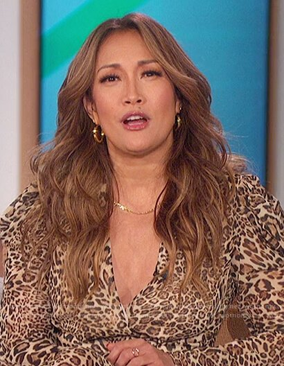 Carrie's leopard print puff shoulder dress on The Talk