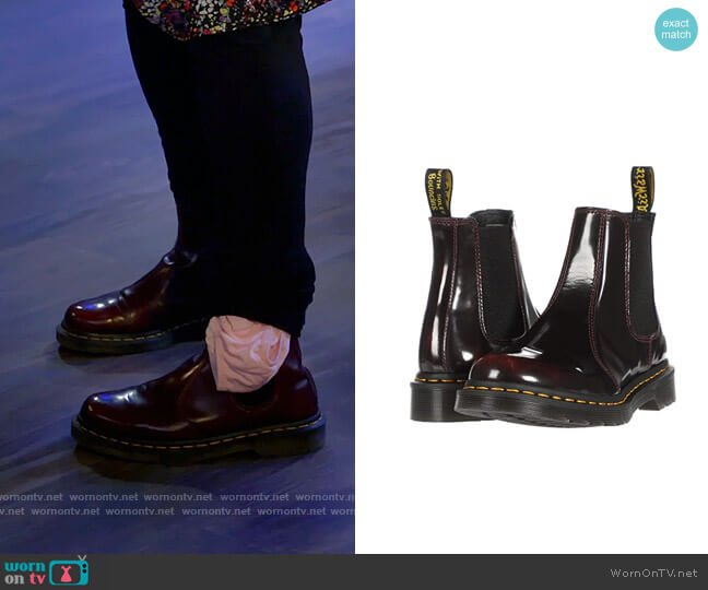Dr Martens Chelsea Boots in Cherry Red worn by Kat Silver (Mayim Bialik) on Call Me Kat