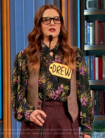 Drew's green floral print blouse on The Drew Barrymore Show