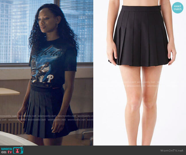 Forever 21 High-waist Pleated Mini Skirt worn by Neveah Stroyer (Kylie Jefferson) on Tiny Pretty Things