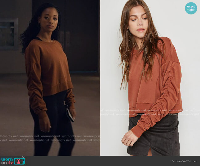 Forever 21 Ruched Sleeve Sweatshirt worn by Neveah Stroyer (Kylie Jefferson) on Tiny Pretty Things