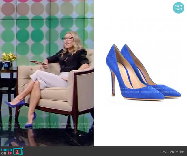 Suede Pumps by by Gianvito Rossi worn by Kelly Ripa  on Live with Kelly & Ryan