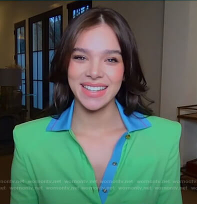 Hailee Steinfeld's green contrast polo on Good Morning America