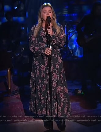 Kelly's floral print midi dress on The Kelly Clarkson Show