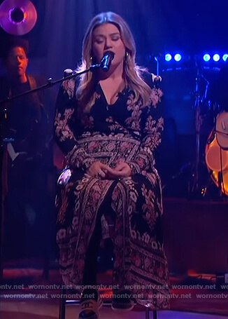 Kelly's black floral wrap dress on The Kelly Clarkson Show