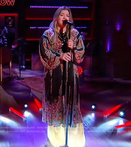 Kelly's black floral kimono top on The Kelly Clarkson Show