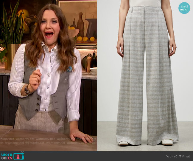 Italian Marled Plaid Cumberland Pant by Lafayette 148 worn by Drew Barrymore  on The Drew Barrymore Show